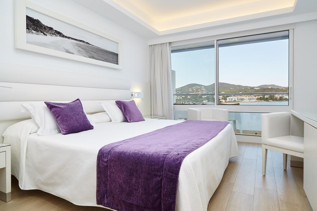 Beachfront Hotel Talamanca Playa IBIZA HTL TALMAR Bedroom