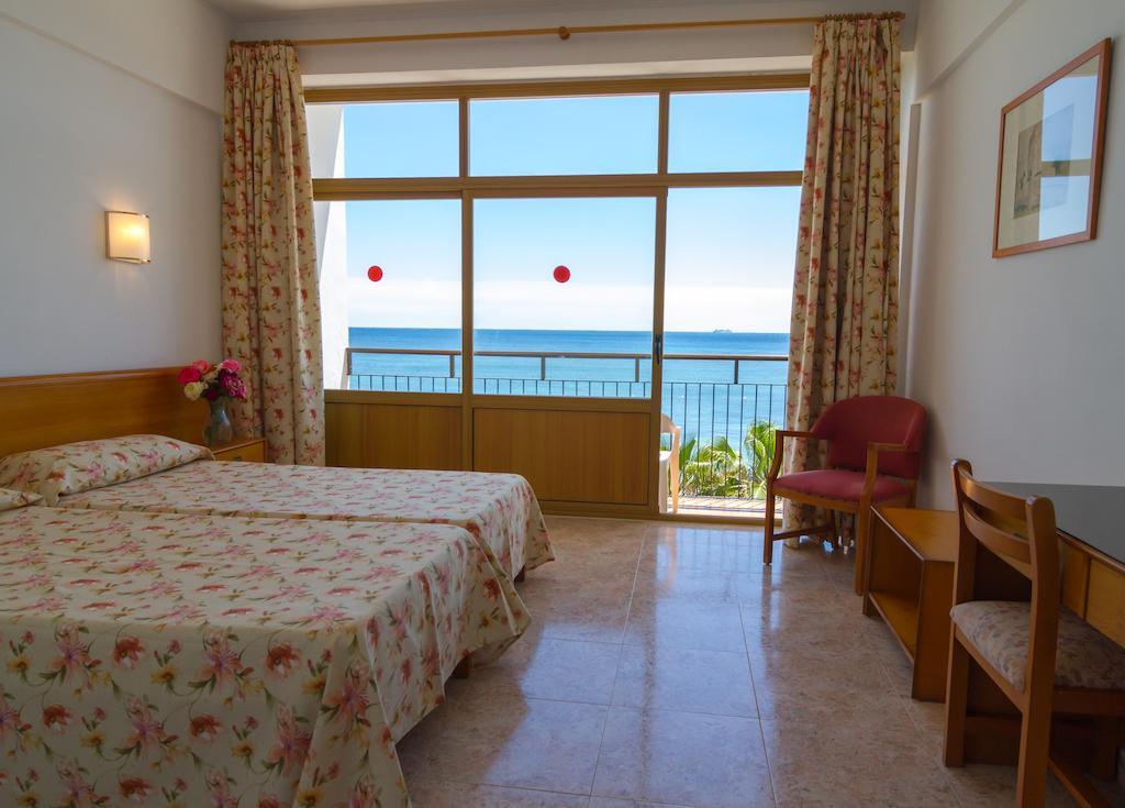 Beachfront lovely hotel in Santa Eulalia with pool SANTA EULALIA sanerim bedroom