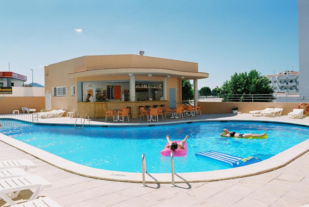 Cheap Apartment Cafè del Mar with pool SAPONI Pool