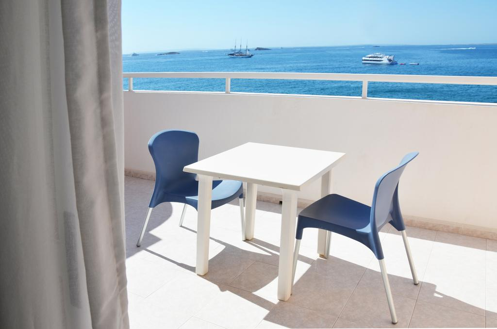 Cheap nice central apartment IBIZA PANAPIB Terrace 1