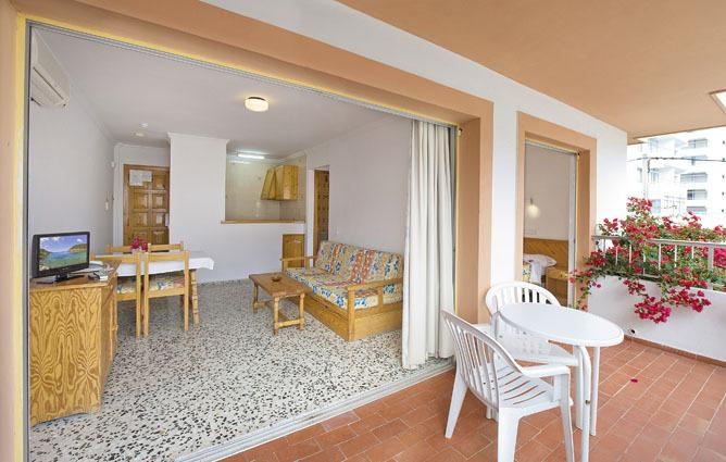 Cozy Studio Apartments with Pool PLAYA DEN BOSSA VICENROS Terrace
