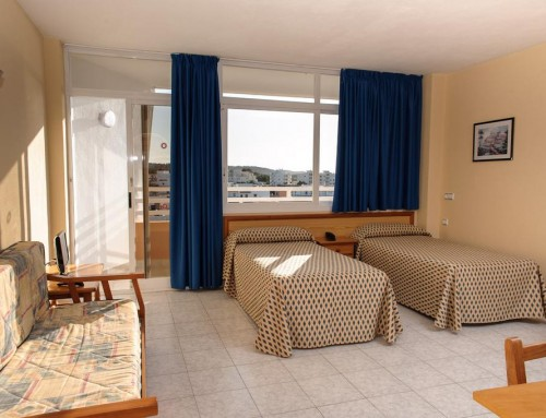 Cozy cheap holiday studio apartment close to the beach, SAN ANTONIO BAY – Property code: Trpcsant