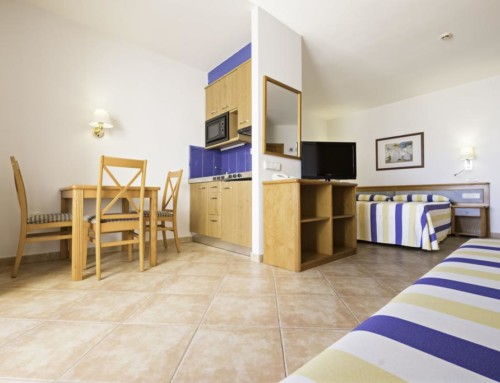 [STUDIO (2 ADULTS AND 2 CHILDREN)] Delightful aparthotel with pool
