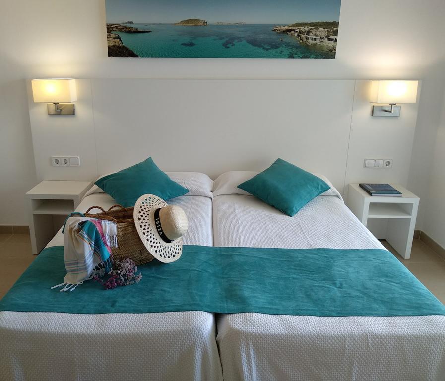Elegant large apartment with pool NERAPSA Bedroom