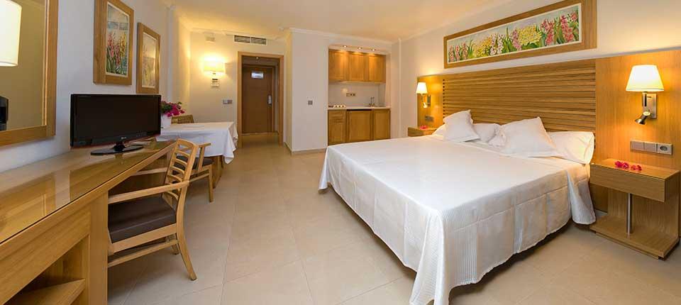 Luxury Playa den Bossa Ibiza Modern Studio Apartment IBAPPRE Bedroom4