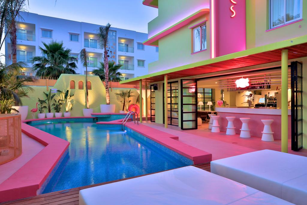 Modern Design Apartment Playa den Bossa playatrop13 12