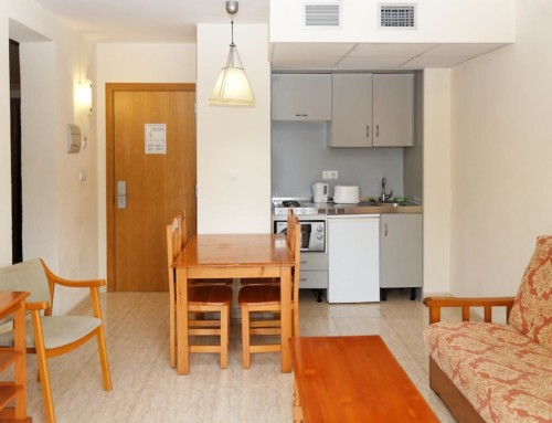 [STUDIO APARTMENT NOT REFUNDABLE (2 GUESTS)] Spacious Bright apartment with pool