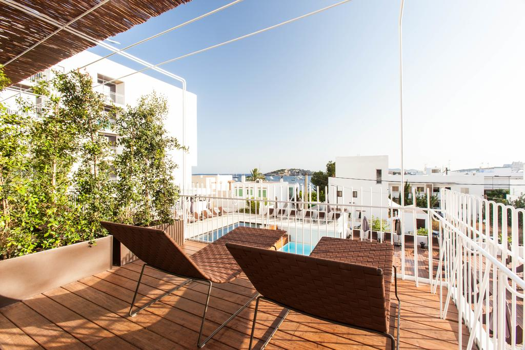Stylish design Hotel Spectacular Views Pool and Gym in Talamanca IBIZA HTL TALMIB 30